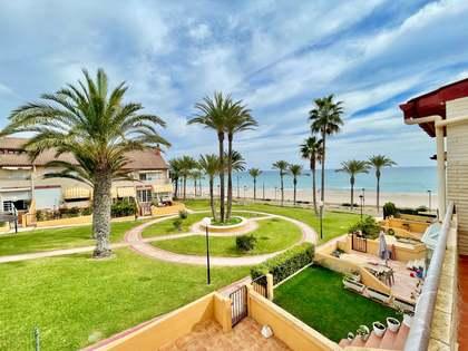 дом / вилла 340m², 60m² террасa на продажу в Playa San Juan