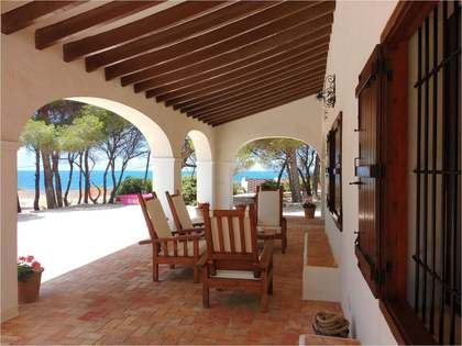 Seafront property for sale in the area of las Rotas