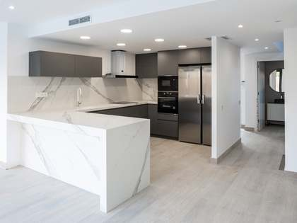 Дом / Вилла 385m² на продажу в Эль Масноу, Барселона