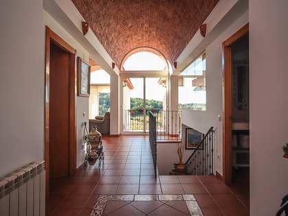 Дом / Вилла 345m² на продажу в Calafell, Таррагона