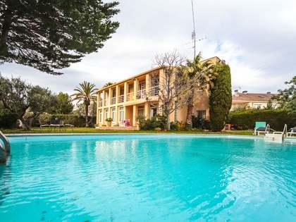 Huis / Villa van 292m² te koop in Calafell, Tarragona