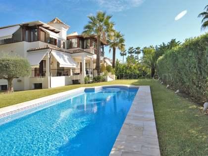 490m² Haus / Villa mit 1,450m² garten zum Verkauf in Goldene Meile