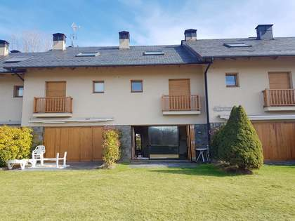 Casa di campagna di 150m² in vendita a La Cerdanya, Spagna