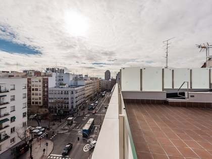 128m² Apartment with 99m² terrace for sale in Retiro