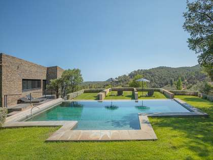 Luxury house to rent near the Costa Brava