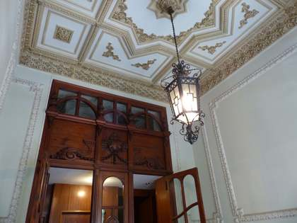 Property for sale in stately building in Eixample, Valencia