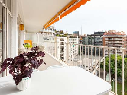 240m² Apartment with 19m² terrace for sale in Turó Park