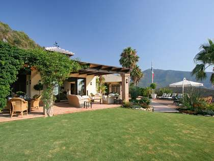 Spectacular 3 bedroom hilltop villa for sale in Benahavis
