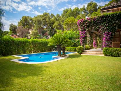 440m² House / Villa for sale in Castelldefels, Barcelona