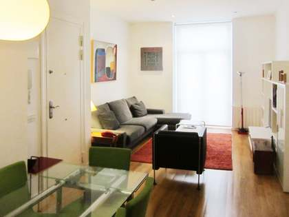 Cosy, renovated 2-bedroom apartment to buy on Cirilo Amorós