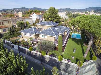 Large manor house for sale on Barcelona Mareseme Coast.