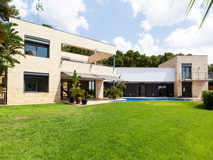 533m² House / Villa for rent in Bellamar, Barcelona