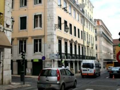 Apartment and office for sale in Baixa district of Lisbon