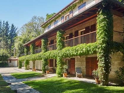 Casa / Vil·la de 600m² en venda a Pontevedra, Galicia