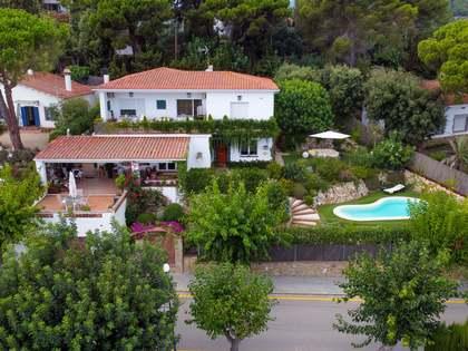 huis / villa van 325m² te koop met 700m² Tuin in Sant Pol de Mar