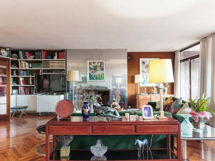 259 m² apartment with 28 m² terrace for sale in Pedralbes
