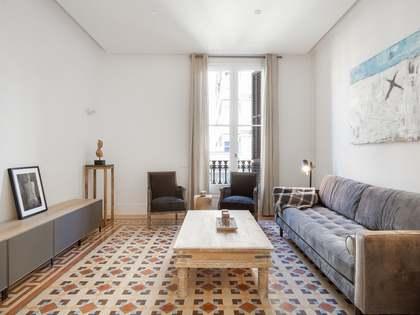 Piso de 119m² con terraza de 8m² en venta en Eixample Derecho