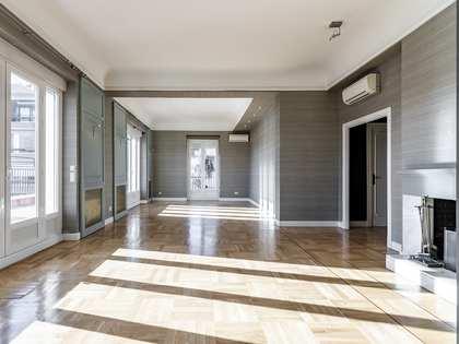 Piso de 291m² con terraza de 40m² en alquiler en Castellana