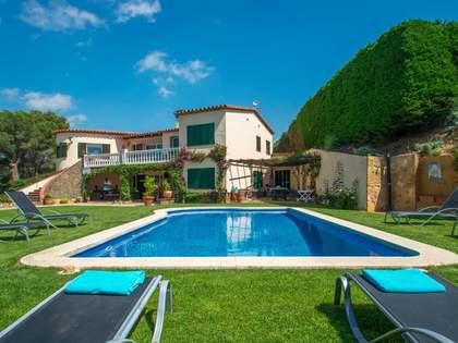Дом / Вилла 300m² на продажу в Calonge, Коста Брава