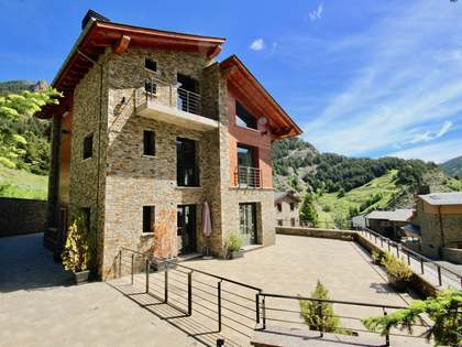 Huis / Villa van 908m² te koop in La Massana, Andorra