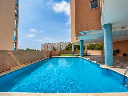 149m² Apartment with 50m² terrace for sale in Alicante ciudad