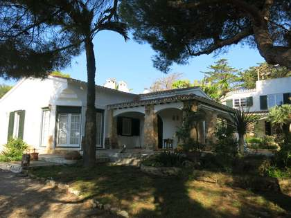 363 m² house with 3,637 m² garden for sale in Menorca