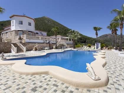 Huis / Villa van 530m² te koop in Dénia, Costa Blanca