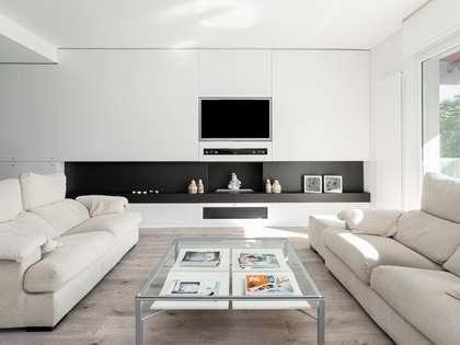 Квартира 185m², 10m² террасa на продажу в Трес Торрес