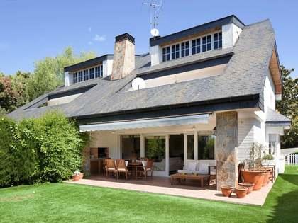303m² House / Villa with 597m² garden for sale in Sant Vicenç de Montalt