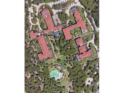 在 卡斯卡伊斯-埃斯托里尔, 葡萄牙 184m² 出售 房子 包括 花园 150m²