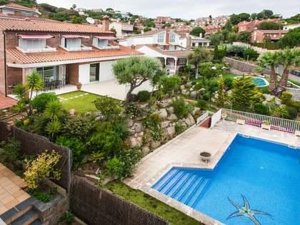 Casa / Villa di 430m² in vendita a Teia', Maresme