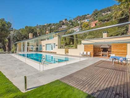 Villa moderna en venta en la Costa Brava, cerca de la playa
