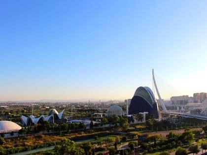 Attico di 162m² con 40m² terrazza in affitto a Ciudad de las Ciencias