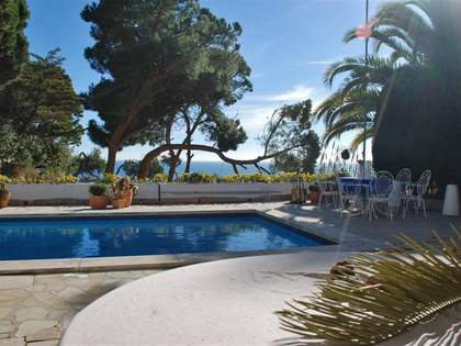 First line property to buy in Lloret de Mar on the Costa Brava