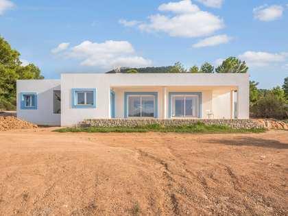 330 m² villa with 80 m² terrace for sale in San José