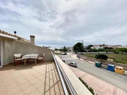 Penthouse van 80m² te koop met 55m² terras in Ciudadela
