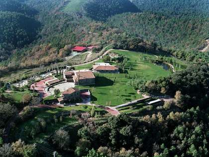 Country estate for sale in the heart of Catalunya, Spain