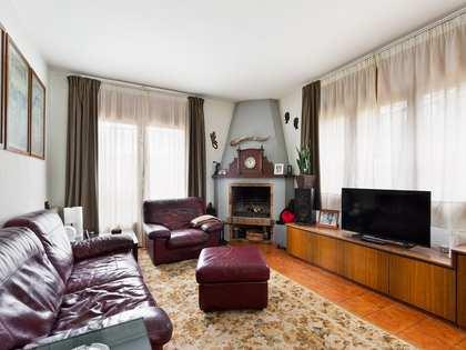 Huis / Villa van 208m² te koop met 685m² Tuin in Sant Cugat