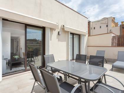 100m² Penthouse with 25m² terrace for rent in Eixample Right