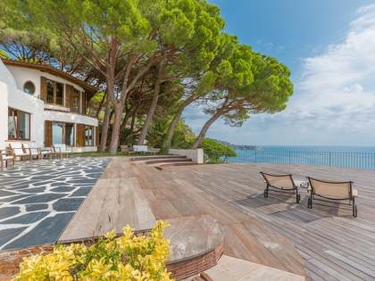 First line luxury villa to buy in Punta Brava, Costa Brava