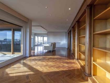 373 m² apartment for rent in El Pla del Real, Valencia