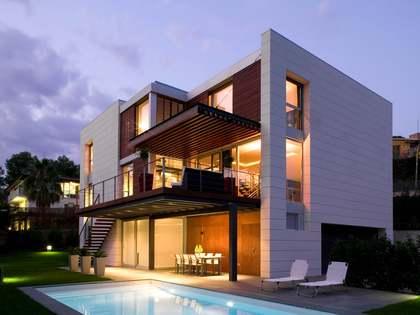Designer villa for sale in the exclusive area of Bellaterra