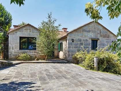 453m² Haus / Villa zum Verkauf in Pontevedra, Galicia