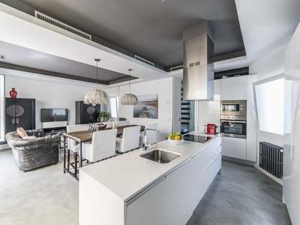 110m² Penthouse with 25m² terrace for rent in Goya, Madrid