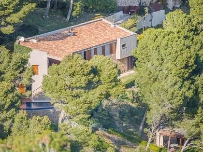 Villa moderna con toques rústicos en venta en Begur
