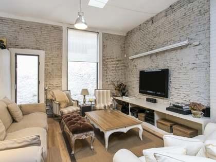 Appartamento di 202m² con 10m² terrazza in vendita a Gràcia