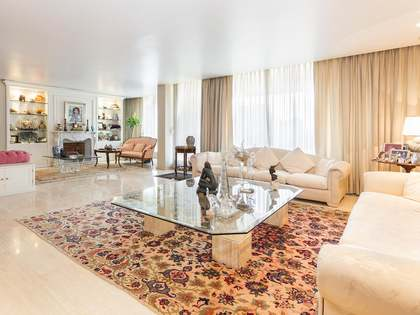 Excellent duplex penthouse for sale in Sarrià