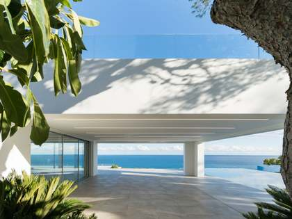 585m² House / Villa with 240m² terrace for sale in Jávea