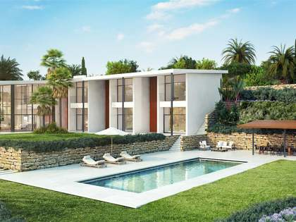 788 m² villa with a pool for sale in Estepona