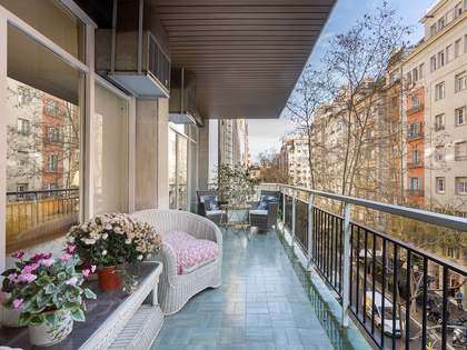 195m² Apartment with 12m² terrace for sale in Turó Park